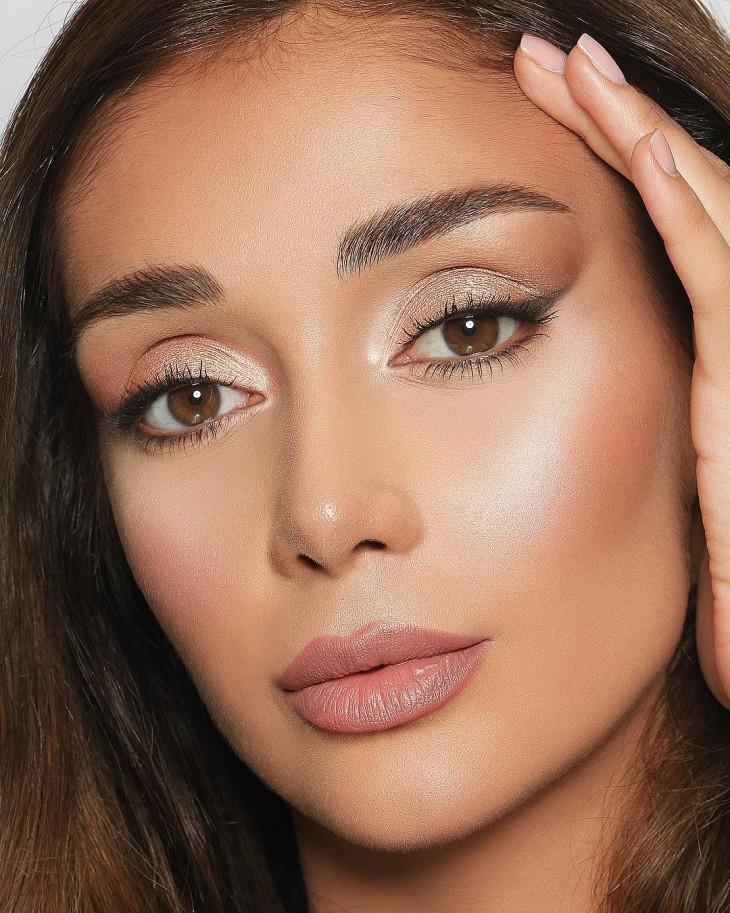 Iranian make up artist Elnaz Golrokh