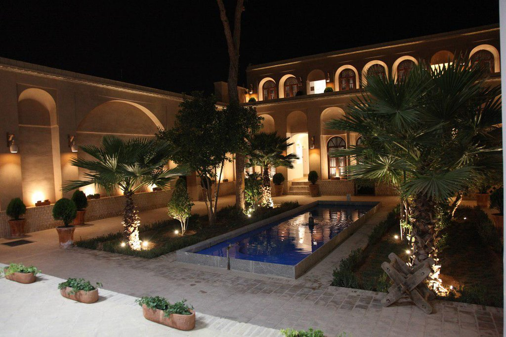 Pictures of the beautiful Hooman Hotel in Yazd